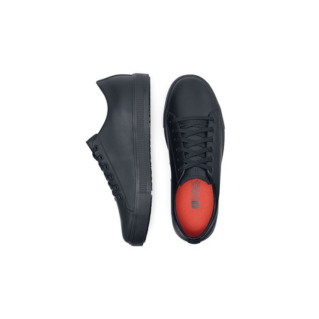 Shoes special designed for aviation, cabin, cockpit and ground crews. Metal Free and Ortholite replaceable insoles. The best shoes for all the sky pros.